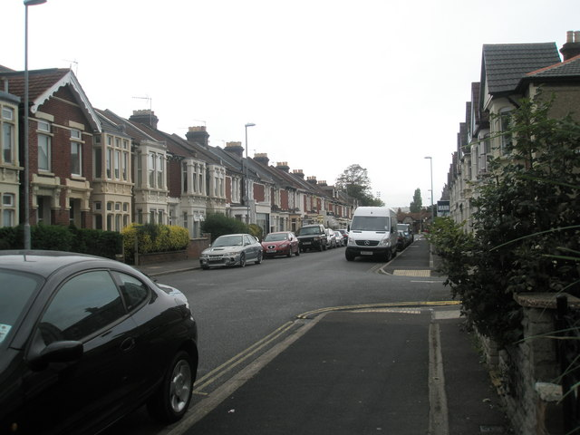 Approaching the junction of  Shadwell Road and Gladys Avenue