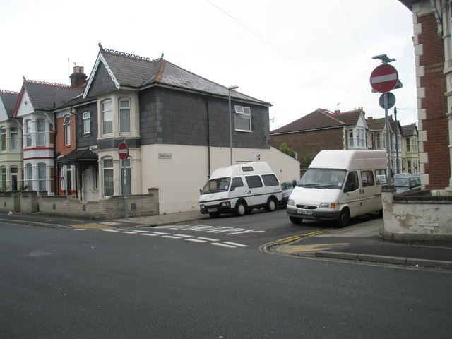 Junction of Gladys Avenue and Ophir Road