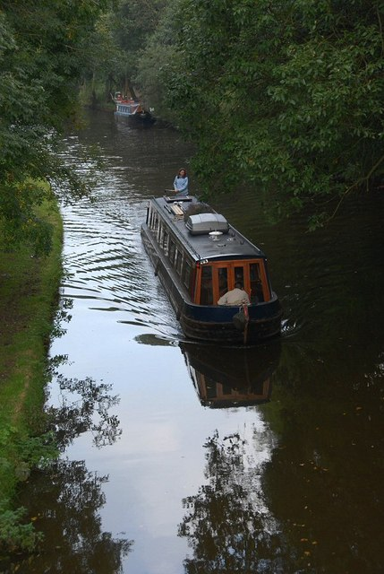 Approaching Heath Charnock on Leeds Liverpool canal