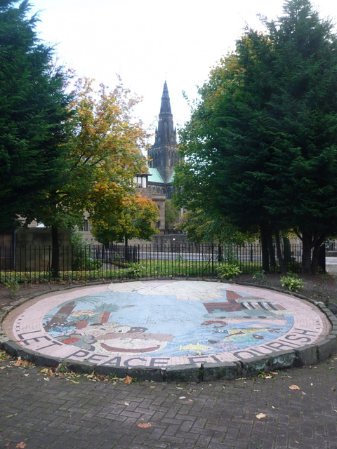 Glasgow: a mosaic mural in Cathedral Square