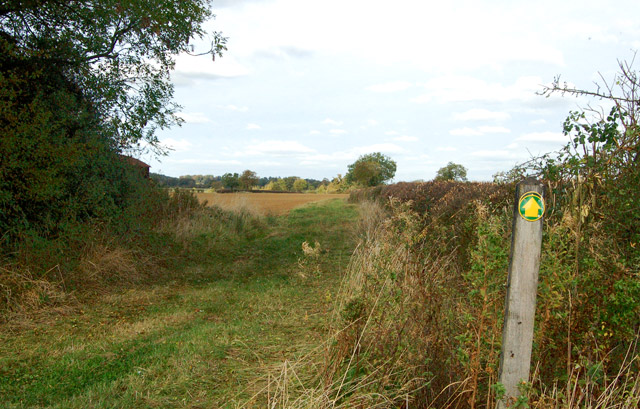 Footpath marker east of Northfields Farm