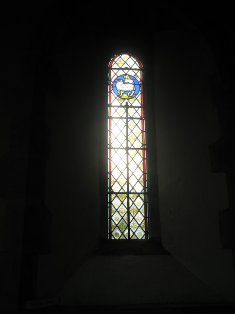 Simple stained glass window at St Peter, Terwick