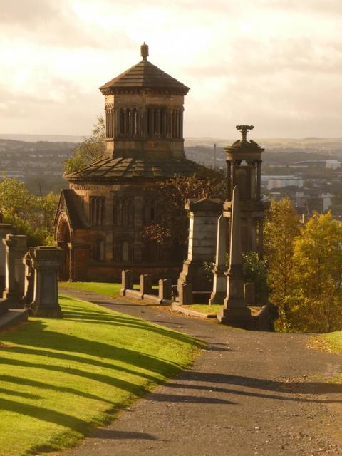 Glasgow: Necropolis hilltop path