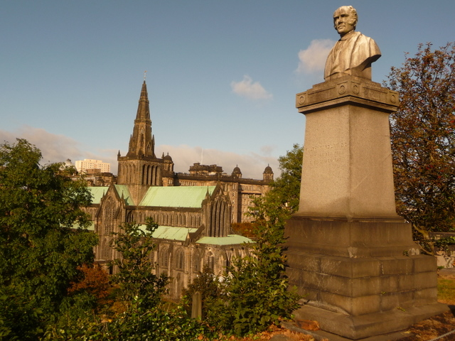 Glasgow: a gravestone and the cathedral