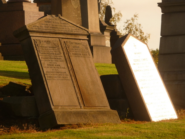 Glasgow: a gravestone catches the sun