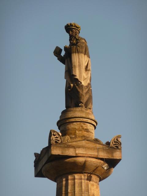 Glasgow: a close-up of John Knox statue
