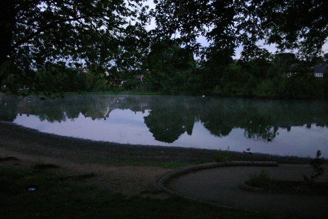 Mere Pond in the early hours