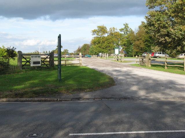 Entrance and car park for the Llama Park