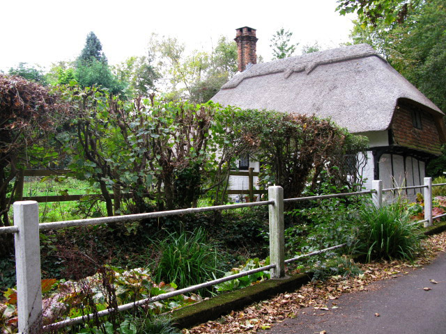 Old Kent Cottage, Frogholt, from the east