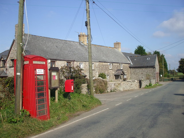 Phone box, mail box, and cottages, Pen-y-lan