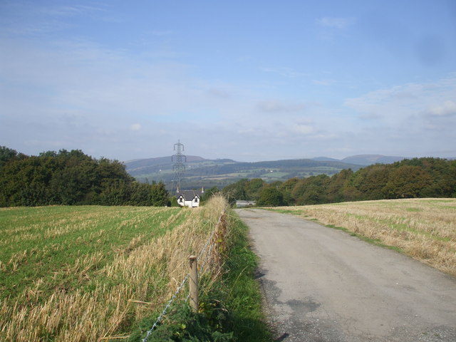 The track to Neuadd-wen