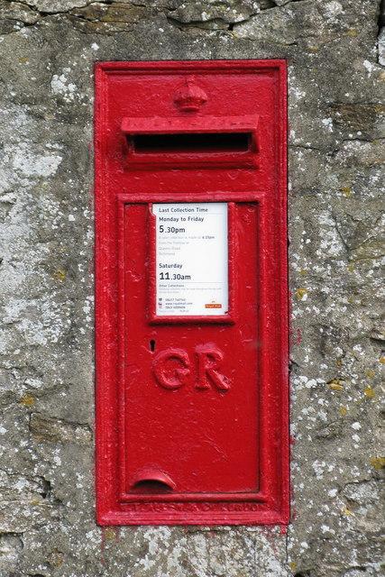 GR Postbox, Richmond
