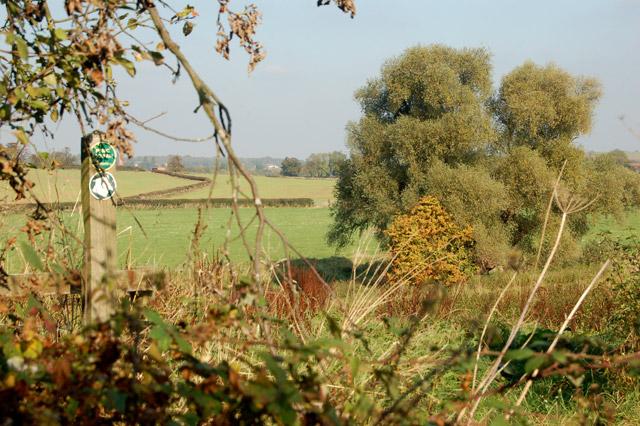 Waymark on the footpath from Hunningham to Eathorpe
