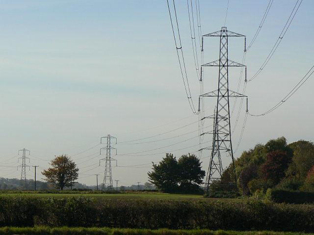 Pylons near Thurgarton
