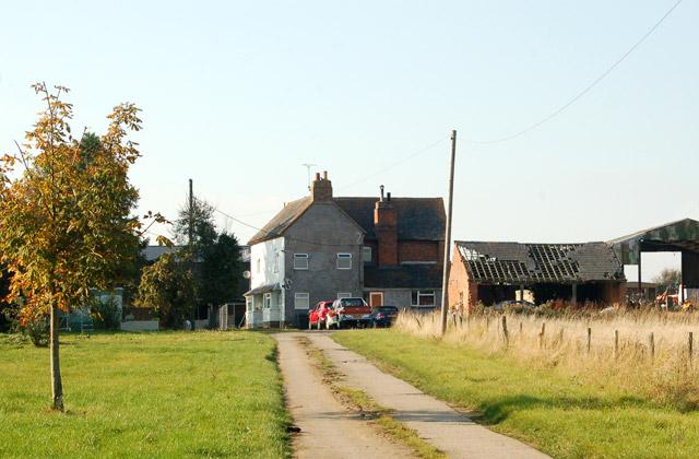 Looking west towards East Fields Farm