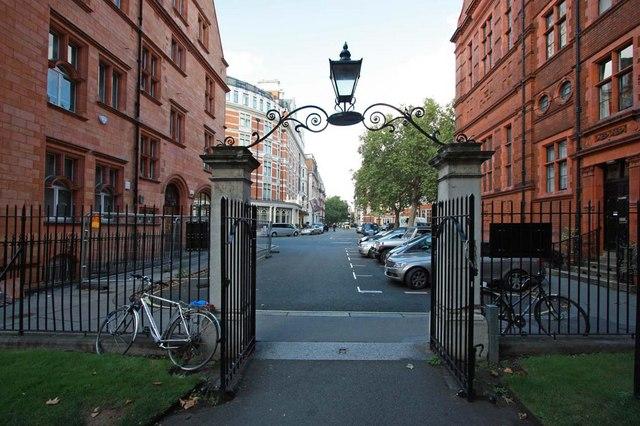 Mount Street Gardens, London W1 - Exit