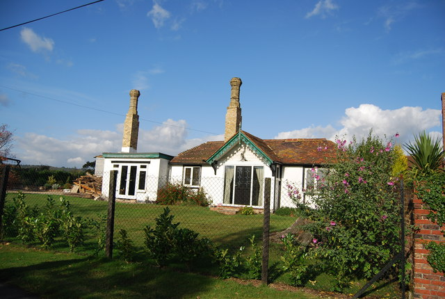 Bungalow near Bourne Place, Nizels lane