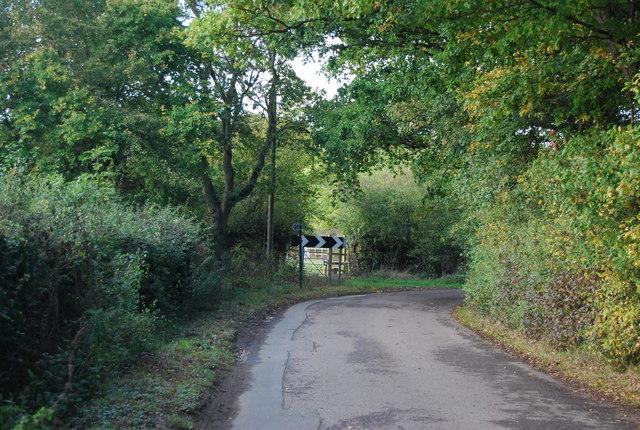 Bend in Nizels Lane at Mansers