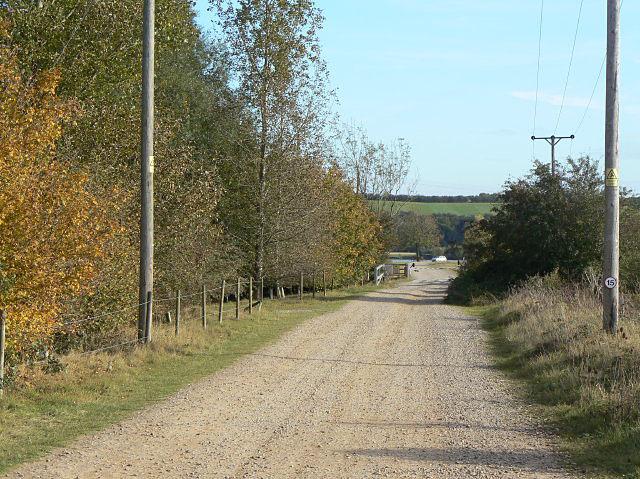 Lane to the Nottinghamshire Sailing Club