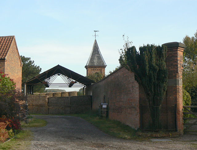 Entrance to Hall Farm, Hoveringham