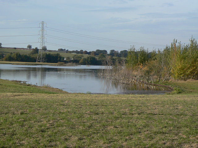 Gravel pit near Hoveringham