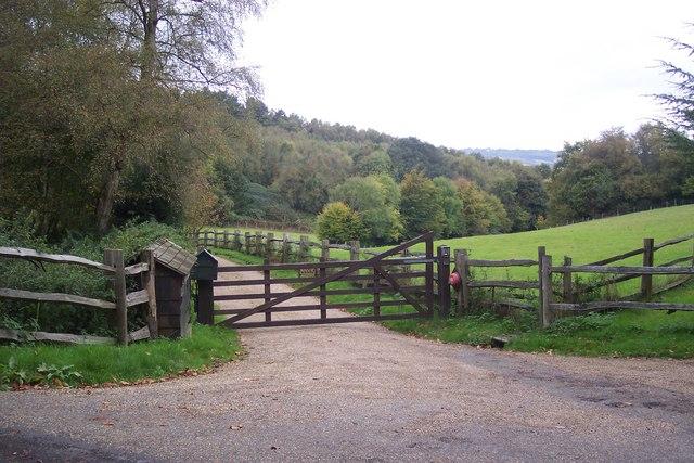 Access road to Quornden Farm