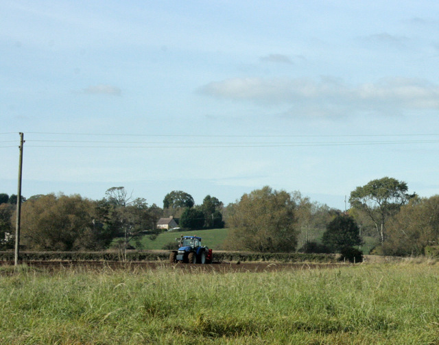 2009 : Ploughing between Sutton Benger and Christian Malford