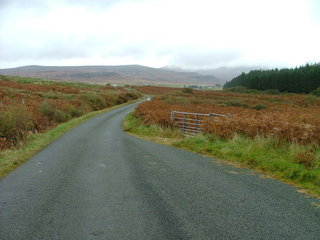 The road through Glen Hinnisdal