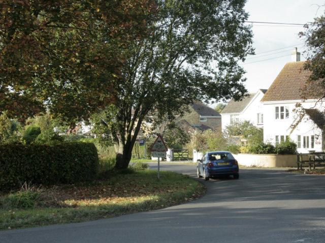 2009 : Road junction, Foxham