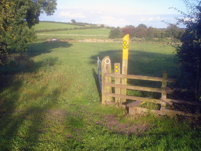 Footpath junction near Griffydam
