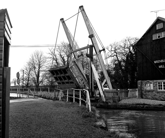 Wrenbury Lift Bridge 20, Llangollen Canal