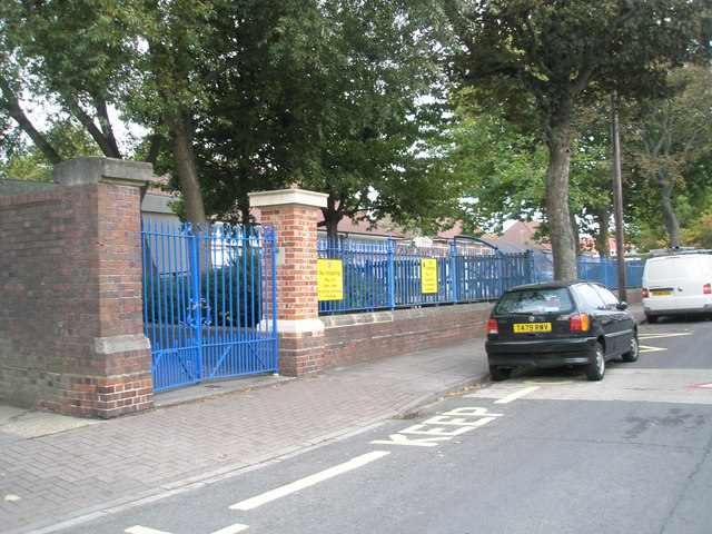 Entrance to Northern Parade Infant School
