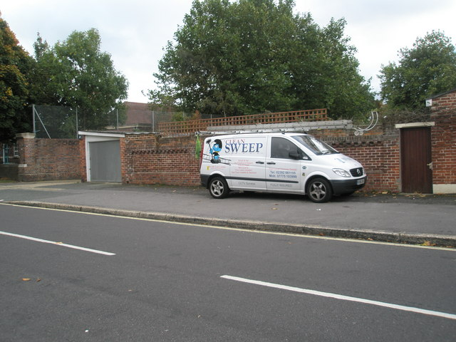 Distinctive van in Doyle Avenue