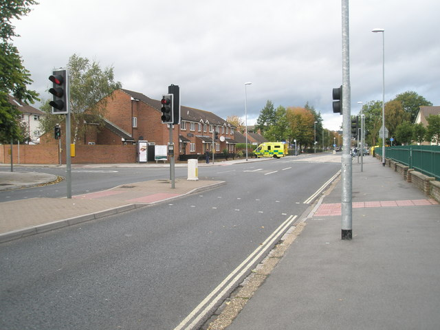 Distant ambulance in Northern Parade