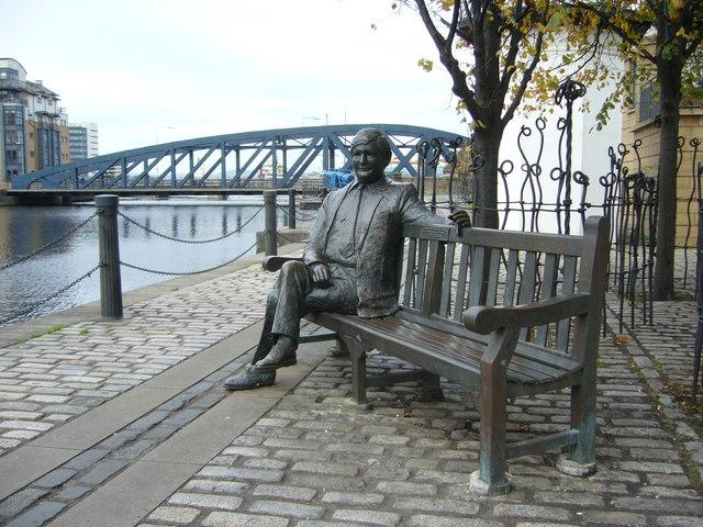 Bronze sculpture, The Shore