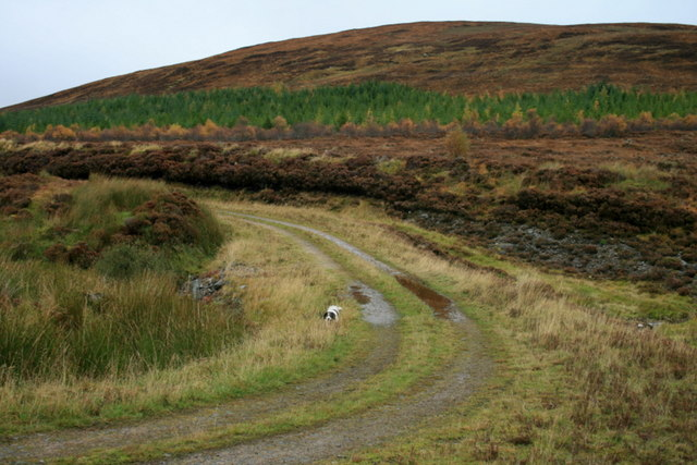 A hard left-hand turn of the track by Meall Na Teanga