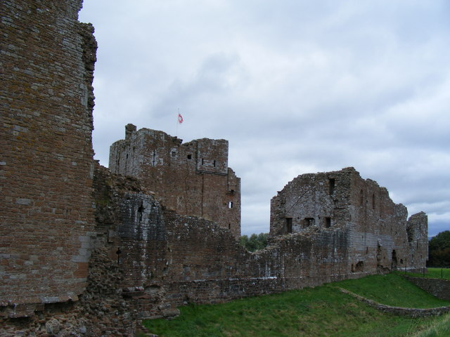 Outer wall and keep at Brougham Castle