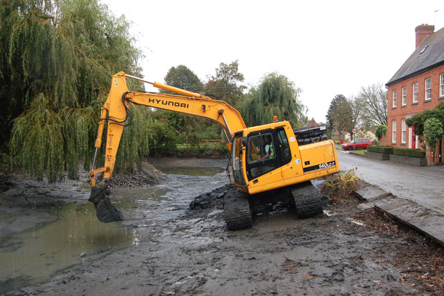 Dredging the pond at Willoughby (3)