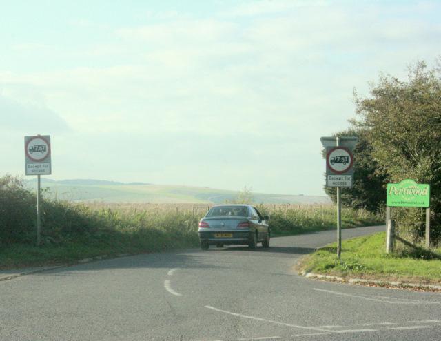 2009 : Hindon Road heading for Monkton Deverill