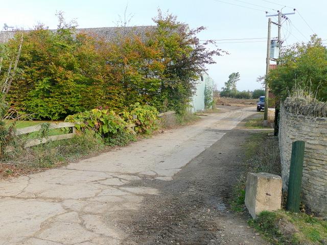 Footpath and farm road