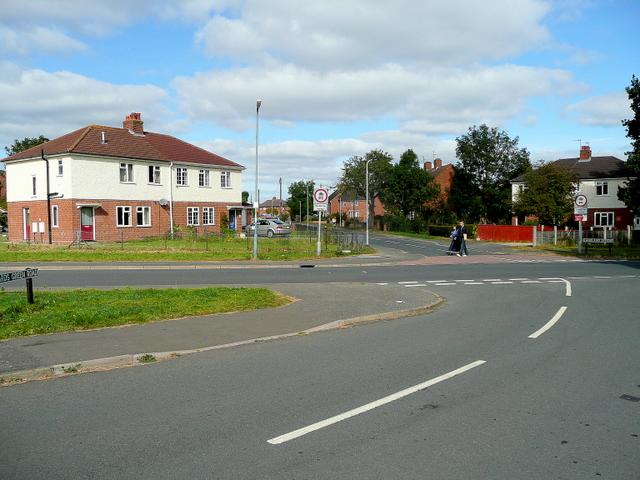 Road junction in Sherrard's Green