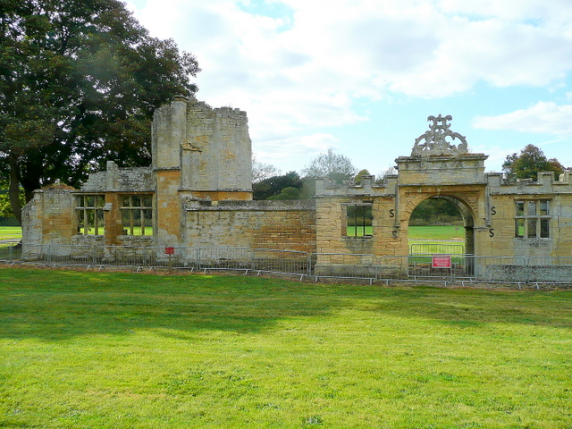 Ruined Gateway of Toddington Manor
