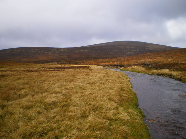 The upper Tarf Water, with Beinn Bhreac behind