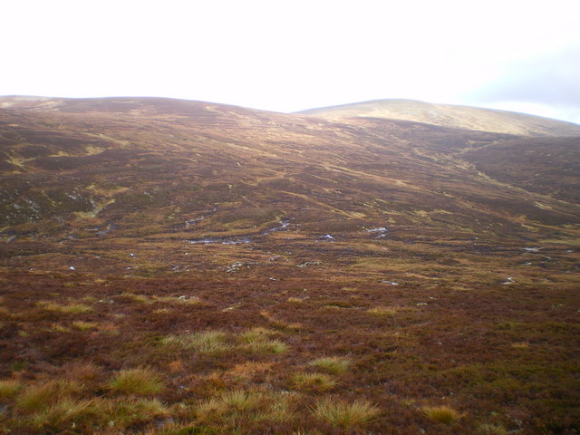 The upper corrie to the east of Beinn Bhreac