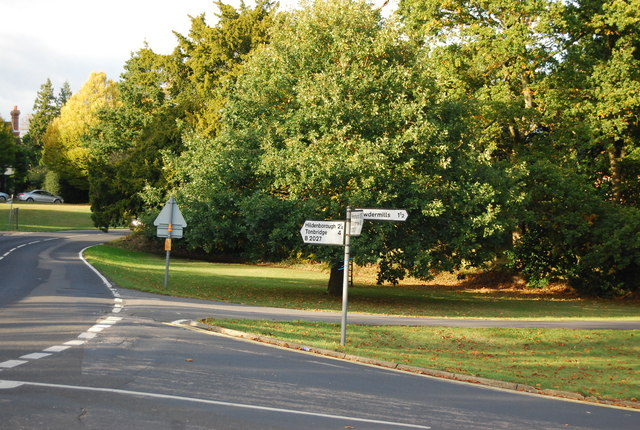 Signpost by The Green, Leigh