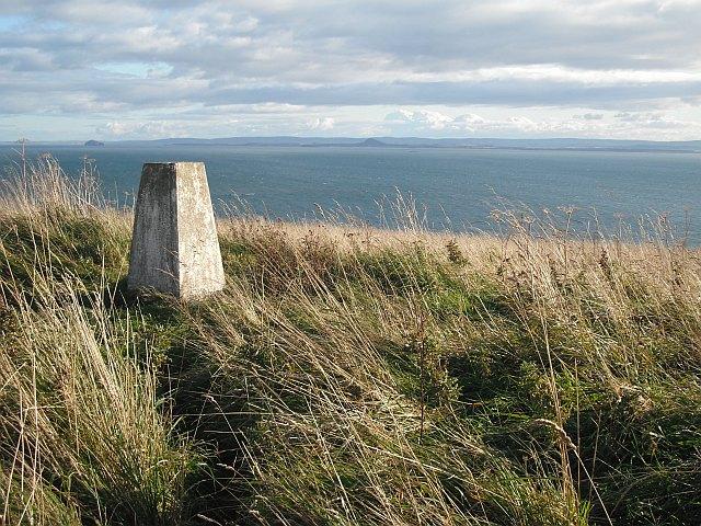 Triangulation pillar, Kincraig Hill