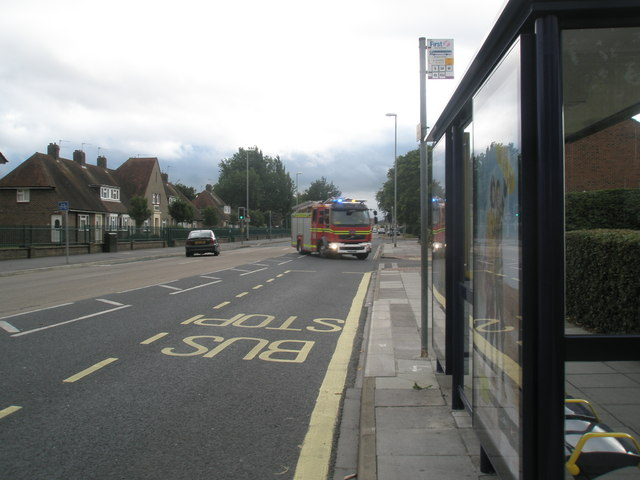 Fire engine turning from Northern Parade into Howard Road
