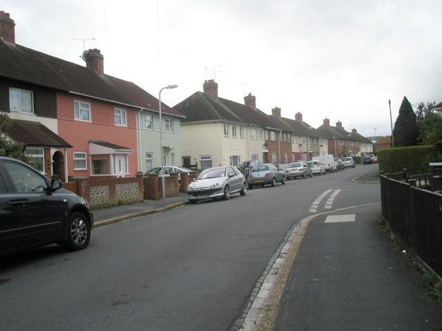 Approaching the junction of  Hilsea Crescent and the southern end of  Horsea Road