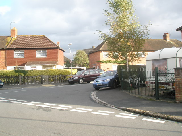 Junction of  Hilsea Crescent and the northern end of  Horsea Road