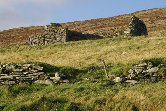 Ruined crofthouse at Braehead, Norwick